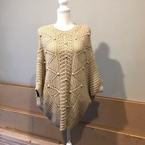 NWOT VS chunky knit poncho sweater